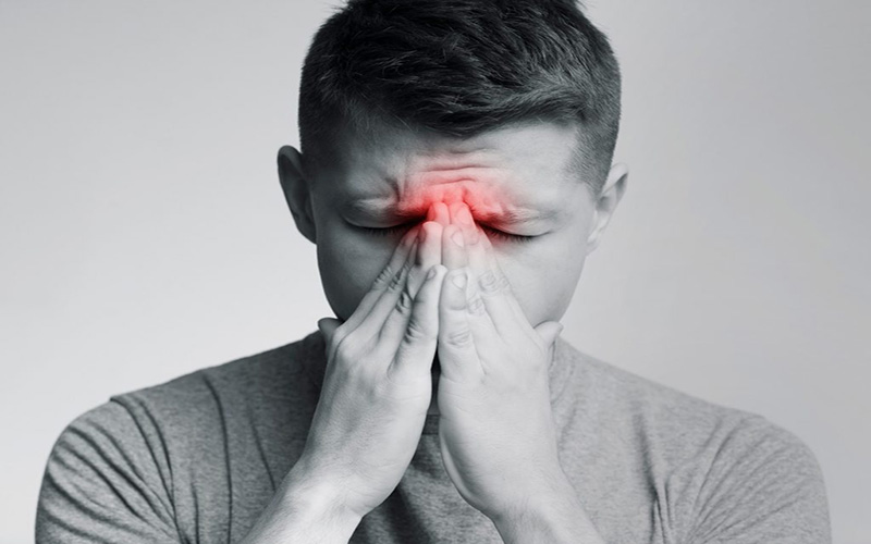 Sâu răng quá nặng trong thời gian dài có thể gây cho người bệnh chứng viêm xoang