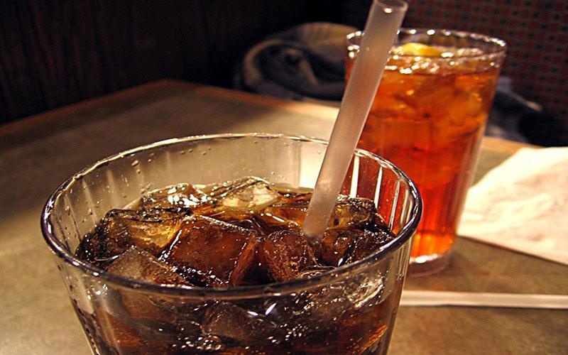 Uống nhiều thức uống có ga không tốt cho răng